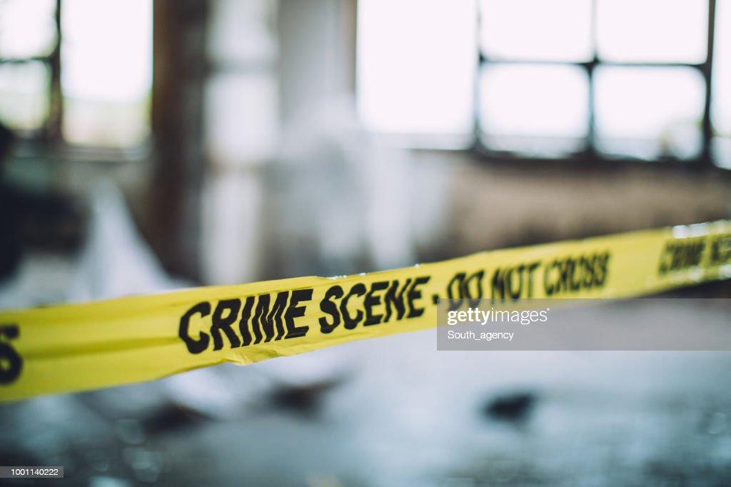 Fita cordão numa cena de Crime : Foto de stock