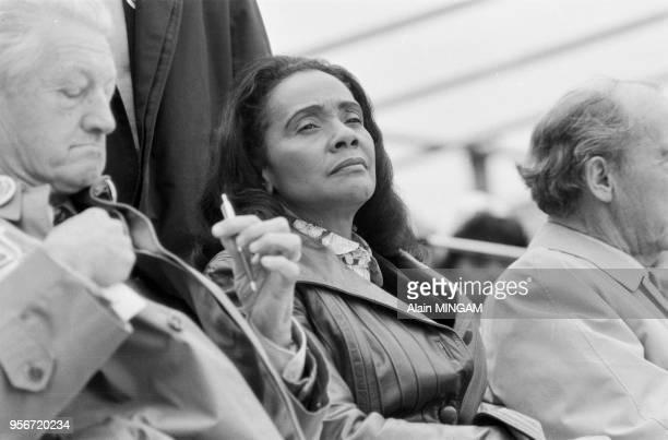 Coretta Scott King femme de Martin Luther King lors de la manifestation de pacifistes pour le désarmement dans les rues de Bonn le 10 octobre 1981...