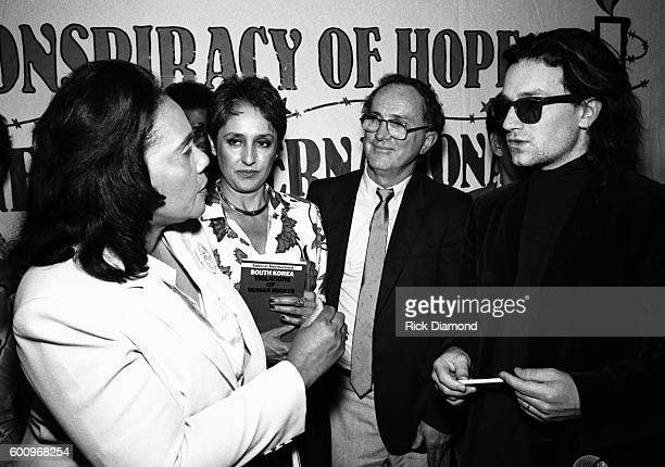Coretta Scott King Singer/Songwriter Joan Baez Amnesty's Jack Healey and U2's Bono attend a press conference discussing The Conspiracy of Hope tour...