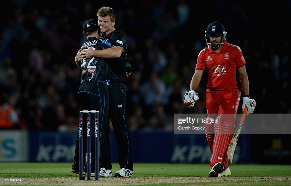 Corey Anderson of New Zealand celebrates with captain Brendon McCullum after winning the 1st NatWest International T20 match between England and New Zealand at The Kia Oval on June 25, 2013 in London, England.