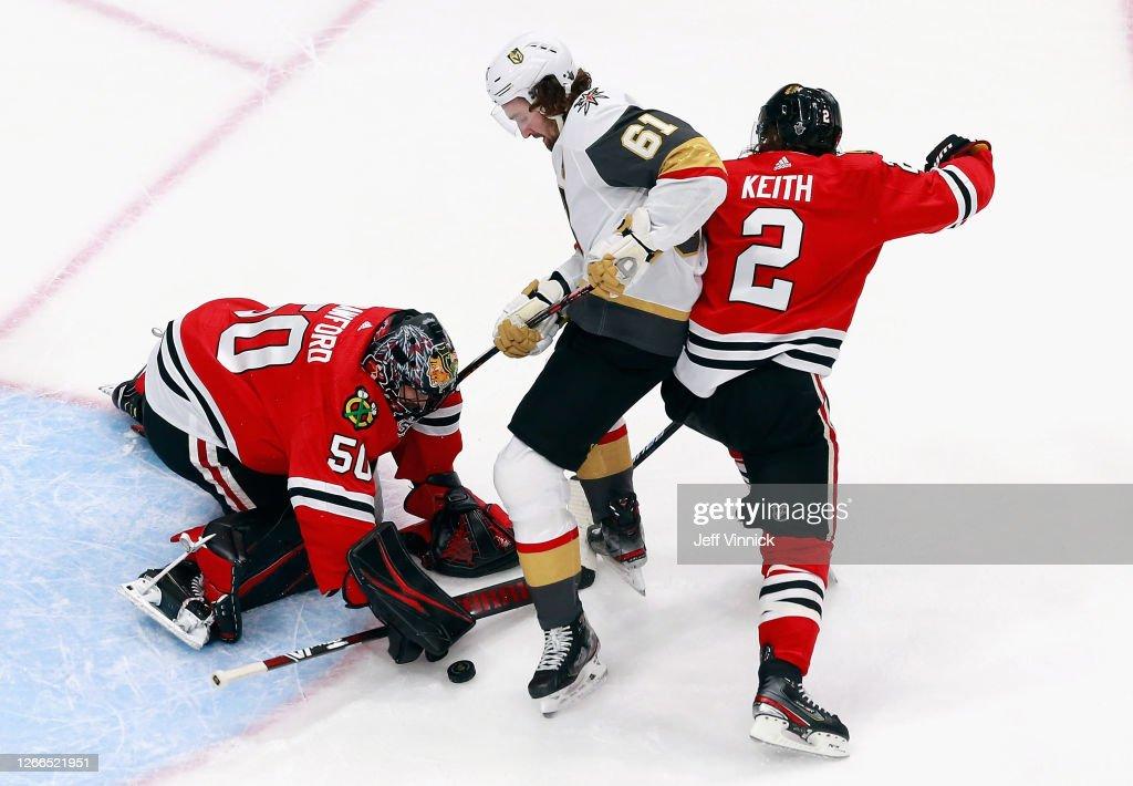 Vegas Golden Knights v Chicago Blackhawks - Game Three : News Photo