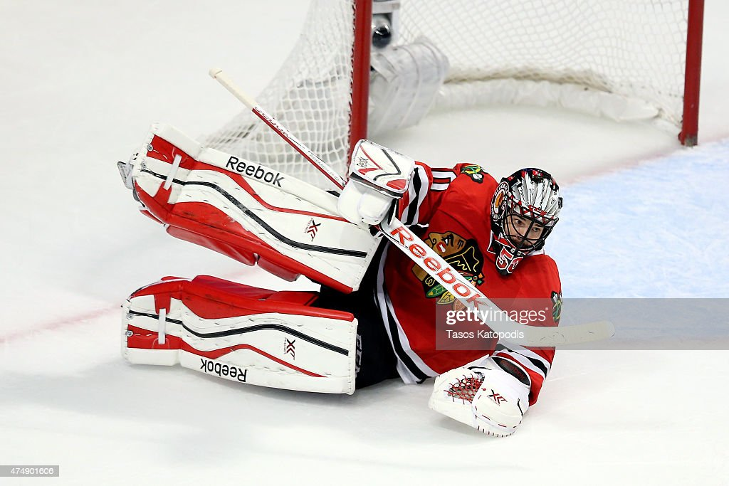 Anaheim Ducks v Chicago Blackhawks - Game Six : News Photo