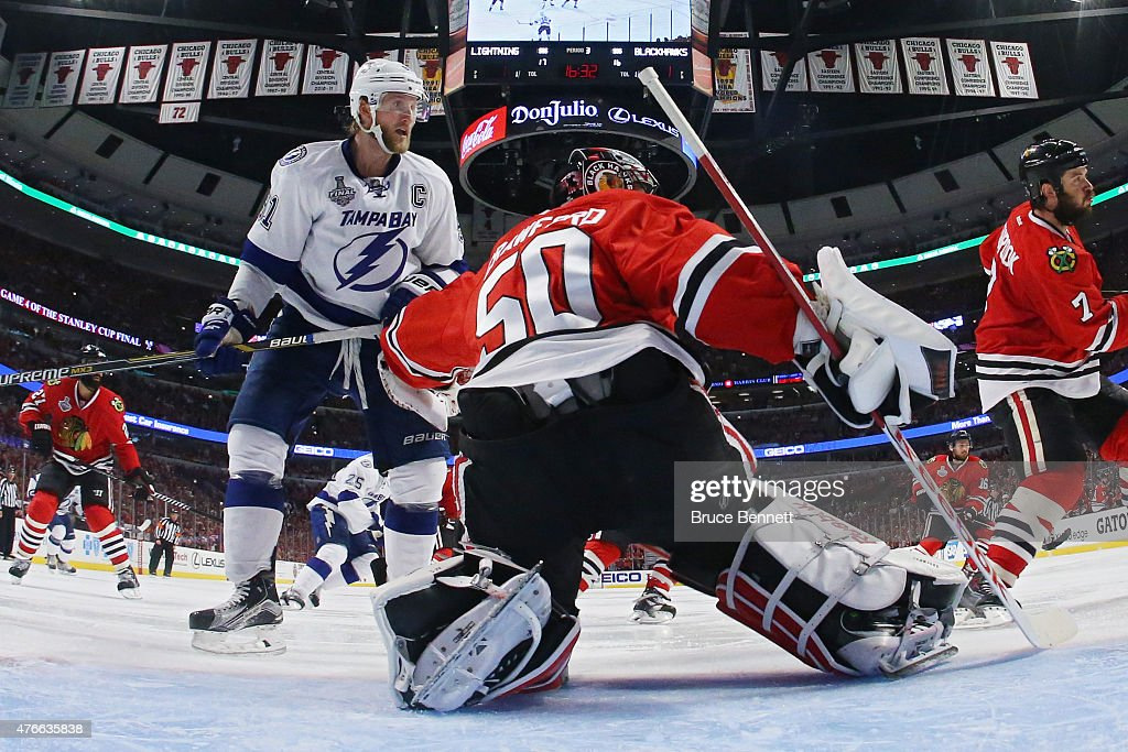 2015 NHL Stanley Cup Final - Game Four : News Photo