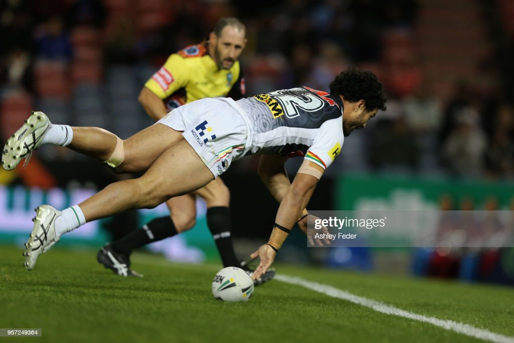 Corey Harawira-Naera of the Panthers scores a try during the round 10 NRL match between the Newcastle Knights and the Penrith Panthers at McDonald Jones Stadium on May 11, 2018 in Newcastle, Australia.