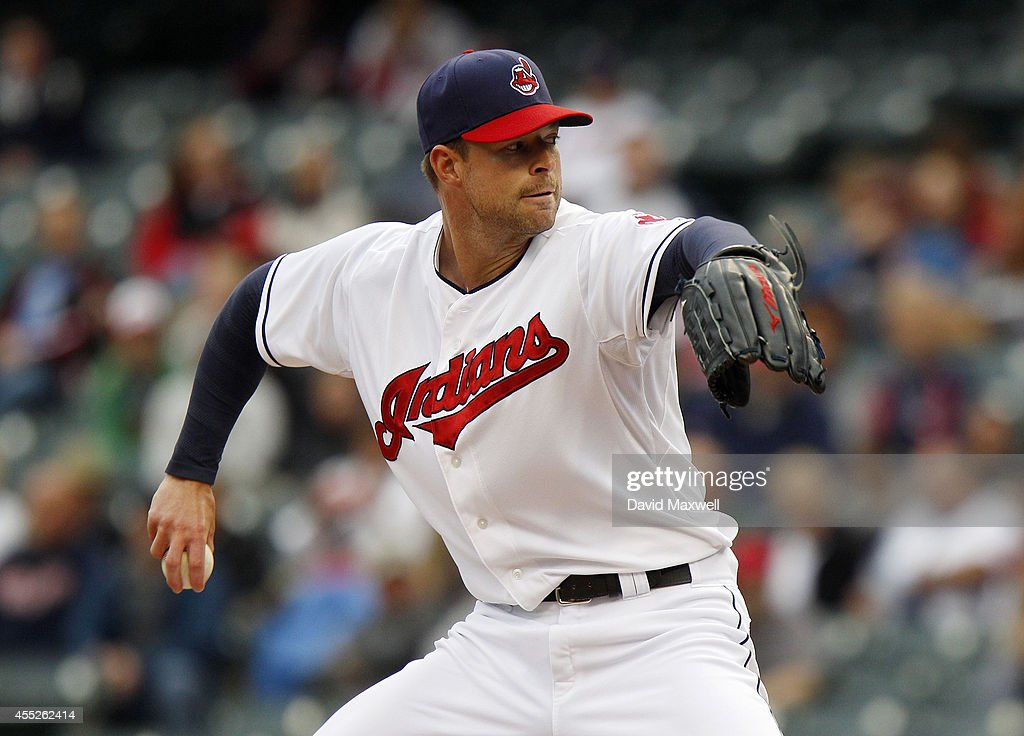 Minnesota Twins v Cleveland Indians - Game One : News Photo