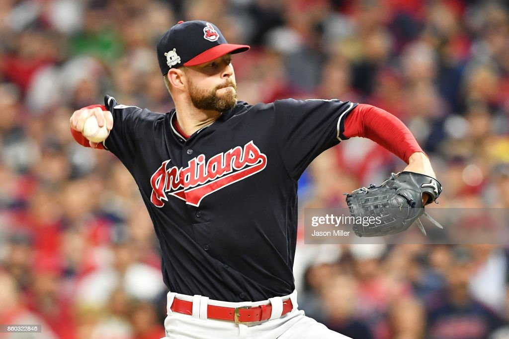 Divisional Round - New York Yankees v Cleveland Indians - Game Five : News Photo