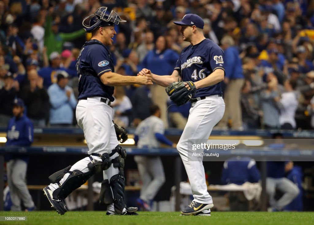 League Championship Series - Los Angeles Dodgers v Milwaukee Brewers - Game One : News Photo