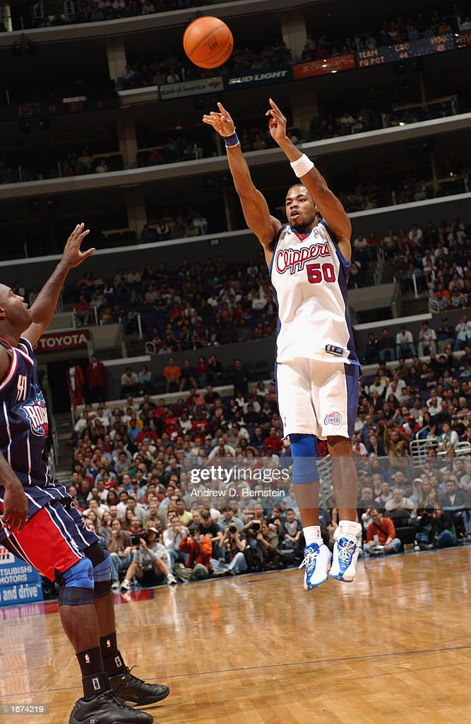 Corey Maggette #50 of the Los Angeles Clippers shoots a jump shot during the game against the Houston Rockets at Staples Center on November 24, 2002 in Los Angeles, California. The Clippers won 90-89.