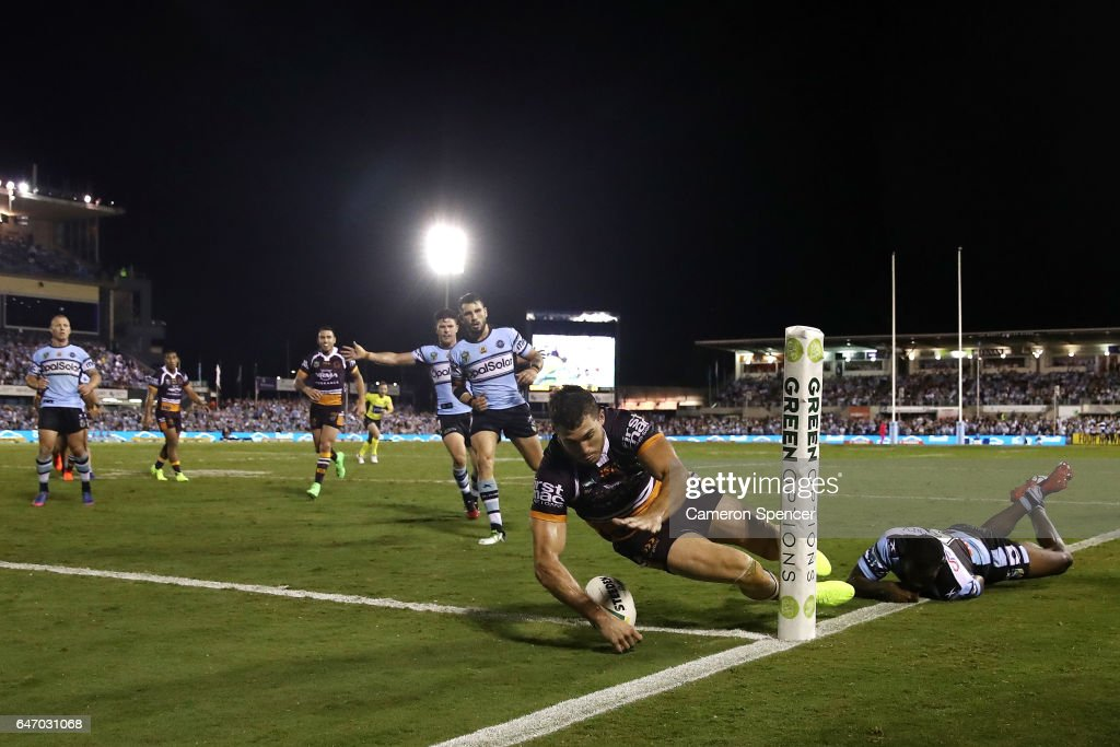 Corey Oates of the Broncos scores a try during the round one NRL match between the Cronulla Sharks and the Brisbane Broncos at Southern Cross Group Stadium on March 2, 2017 in Sydney, Australia.