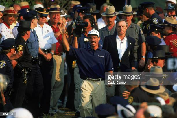 Corey Pavin of the USA acknowledges the crowd after victory in the US Open at Shinnecock Hills in Southampton New York on June 18 1995