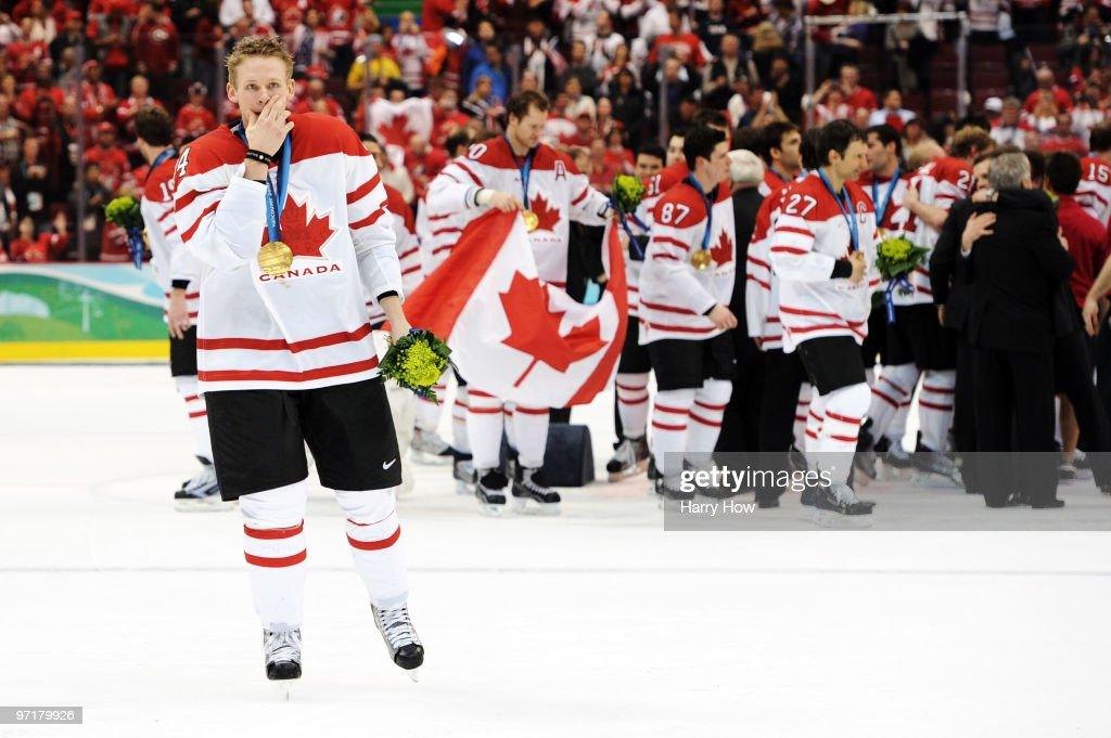 Ice Hockey - Day 17