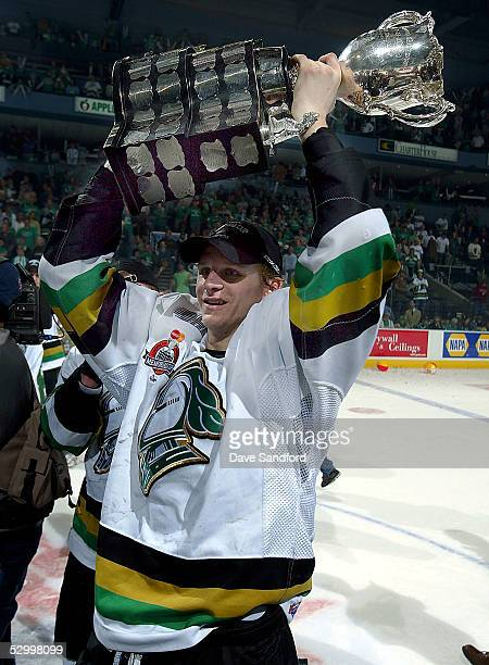 Corey Perry of the London Knights hoists the Memorial Cup after defeating the Rimouski Oceanic 40 in the Memorial Cup Tournament championship game at...