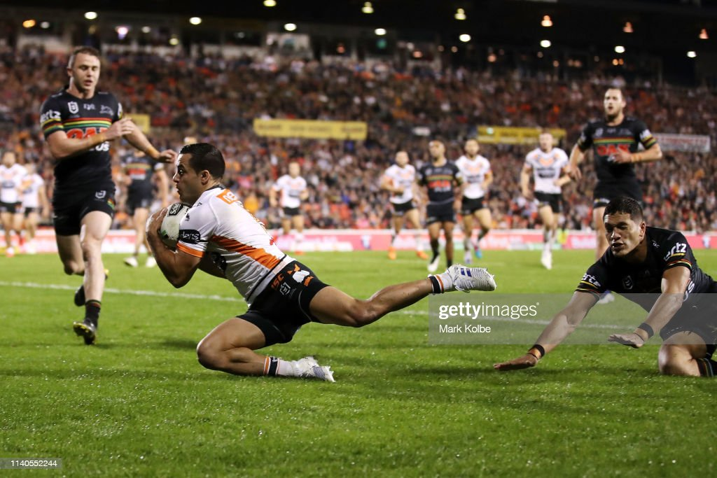 NRL Rd 4 - Panthers v Wests Tigers : News Photo