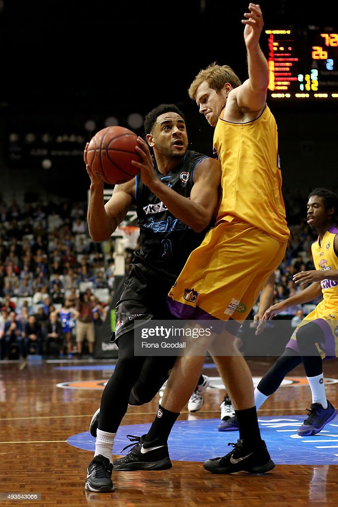 Corey Webster (L) looks to shoot for the Breakers with Tommy Garleep in defence for the Kings (R) during the round three NBL match between the New Zealand Breakers and the Sydney Kings at North Shore Events Centre on October 21, 2015 in Auckland, New Zealand.