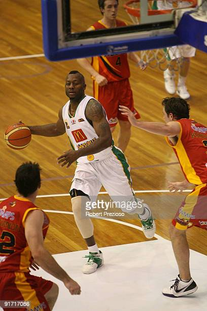 Corey Williams of the Crocodiles drives to the basket during the round three NBL match between the Melbourne Tigers and the Townsville Crocodiles on...