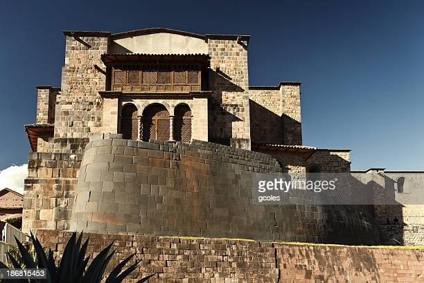 coricancha und church of santo domingo - provinz cusco stock-fotos und bilder