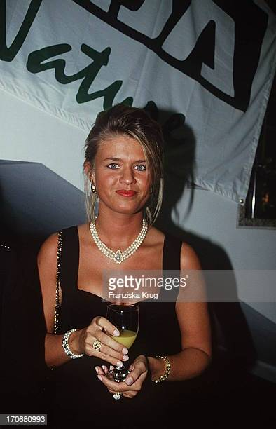 Corinna Betsch Freundin Von Michael Schumacher Bei Sport Gala 95 Ard Kleid Schwarz