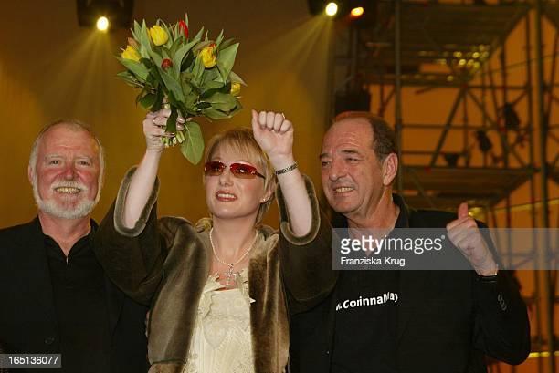 Corinna May Gewinnt Mit Produzent Ralph Siegel Den Countdown Grand Prix 2002 In Kiel Am 220202