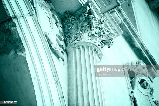 corinthian capital a symbol of former glory - deterioration stock pictures, royalty-free photos & images