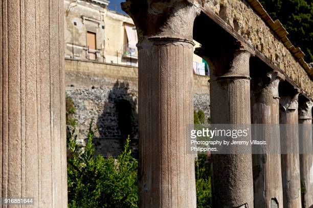 Corinthian columns, House of Argus, Herculaneum