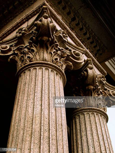 corithian columns - justice concept stock pictures, royalty-free photos & images