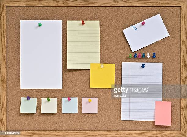 cork board with pinned blank notes - bulletin board flyer stock pictures, royalty-free photos & images