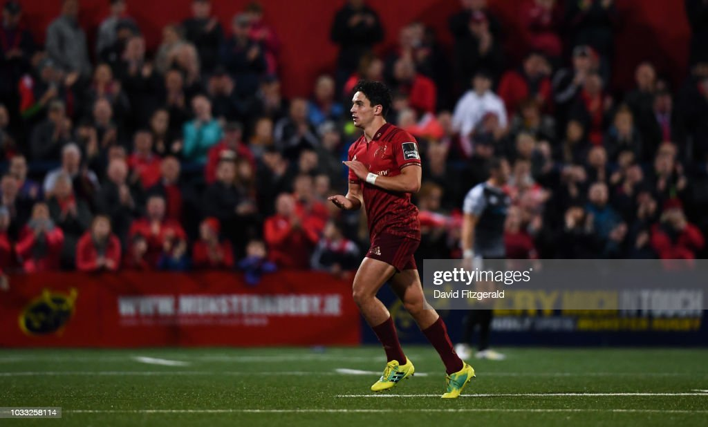 Cork , Ireland - 14 September 2018; Joey Carbery of Munster applauds supporters as he leaves the field after being substituted during the Guinness PRO14 Round 3 match between Munster and Ospreys at Irish Independent Park, in Cork.