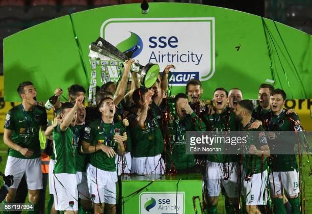 Cork , Ireland - 27 October 2017; Cork City captain Alan Bennett lifts the SSE Airtricity League Premier Division trophy after the SSE Airtricity...