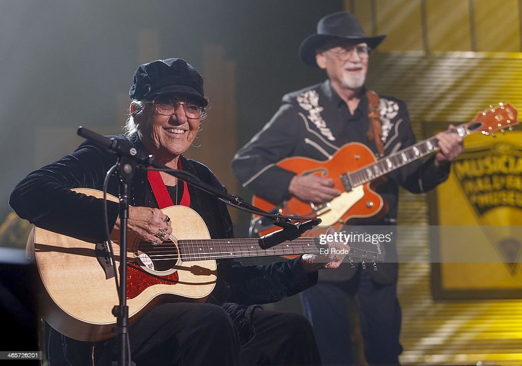 2014 Musicians Hall Of Fame Induction Ceremony - Inside : News Photo