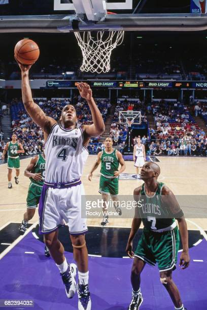 Corliss Williamson of the Sacramento Kings shoots circa 1996 at Arco Arena in Sacramento California NOTE TO USER User expressly acknowledges and...