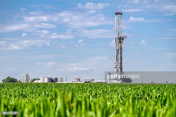 corn field drilling fracking rig - drill stock pictures, royalty-free photos & images