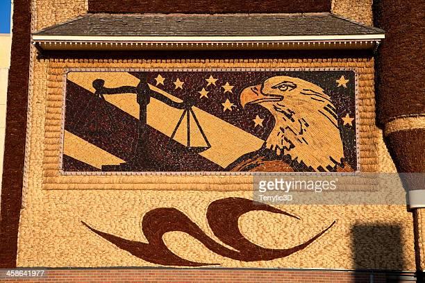 corn palace justice design - terryfic3d stockfoto's en -beelden