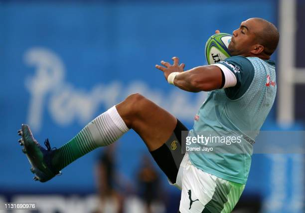 Cornal Hendricks of Bulls warms up before the Super Rugby Rd 2 match between Jaguares and Bulls at Jose Amalfitani Stadium on February 23 2019 in...