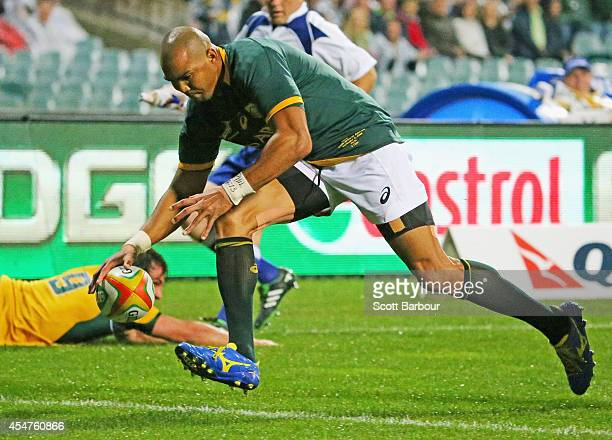 Cornal Hendricks of the Springboks scores a try during The Rugby Championship match between the Australian Wallabies and the South African Springboks...