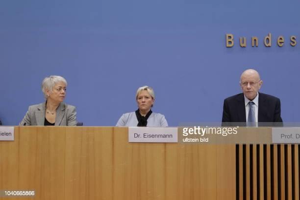 Cornelia Quennet-Thielen, Staatssekretärin im Bundesministerium für Bildung und Forschung, Dr. Susanne Eisenmann, Präsidentin der...