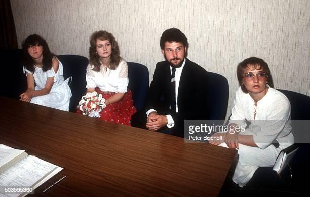 Cornelia Seibert Nicole Ehemann Winfried Seibert Elke Hohloch Standesamtliche Hochzeit am im Rathaus von Nohfelden / Saarland Deutschland