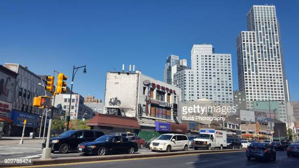 corner between fulton street and flatbush avenue in downtown brooklyn, new york city - fort greene stock pictures, royalty-free photos & images