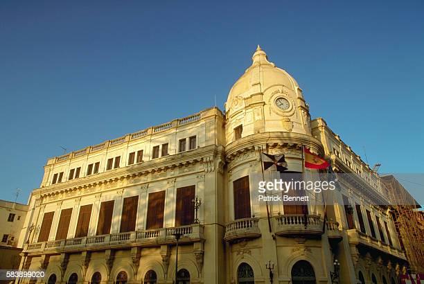 corner dome on building - ceuta fotografías e imágenes de stock