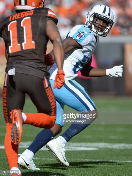 Cornerback Adoree' Jackson of the Tennessee Titans drops into coverage of wide receiver Bryce Treggs of the Cleveland Browns in the fourth quarter of...