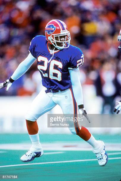 Cornerback Antoine Winfield of the Buffalo Bills patrols the secondary during a 23 to 3 victory over the Miami Dolphins on