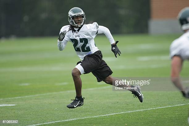 Cornerback Asante Samuel of the Philadelphia Eagles drops back during mini camp on May 3 2008 at the NovaCare Complex in Philadelphia Pennsylvania