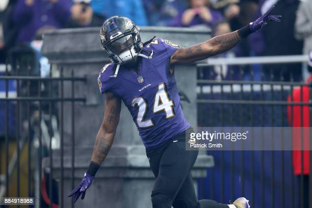 Cornerback Brandon Carr of the Baltimore Ravens takes the field for the game against the Detroit Lions at MT Bank Stadium on December 3 2017 in...