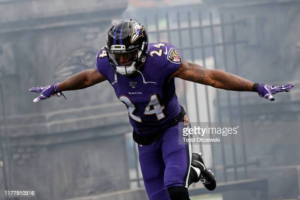 Cornerback Brandon Carr of the Baltimore Ravens takes the field prior to the game against the Cleveland Browns at M&T Bank Stadium on September 29,...
