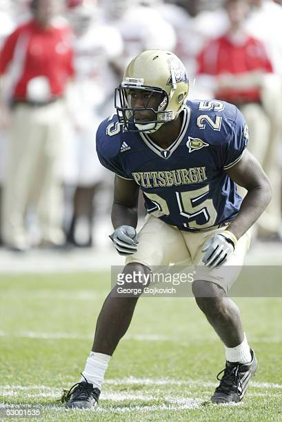 Cornerback Darrelle Revis of the University of Pittsburgh Panthers in action against the Rutgers University Scarlet Knights at Heinz Field on October...