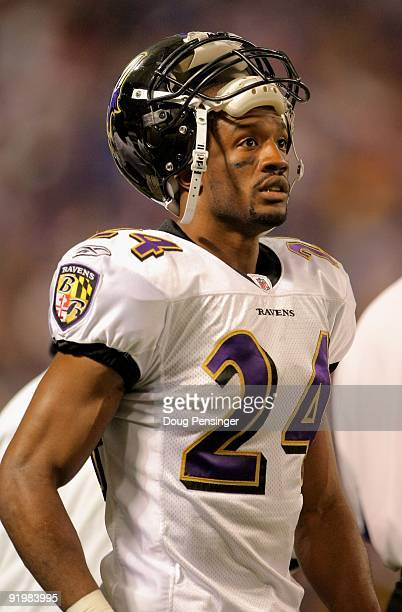 Cornerback Domonique Foxworth of the Baltimore Ravens looks on from the sidelines against the Minnesota Vikings during NFL action at Hubert H...