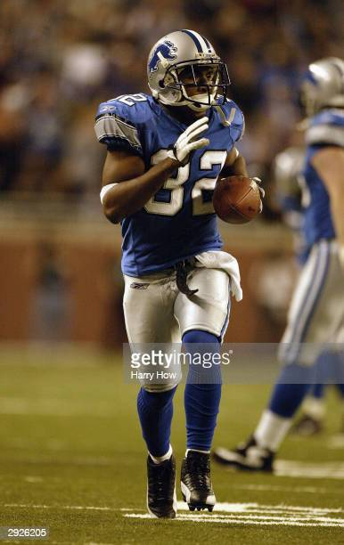 Cornerback Dre' Bly of the Detroit Lions on the field during the game against the St Louis Rams on December 28 2003 at Ford Field in Detroit Michigan...
