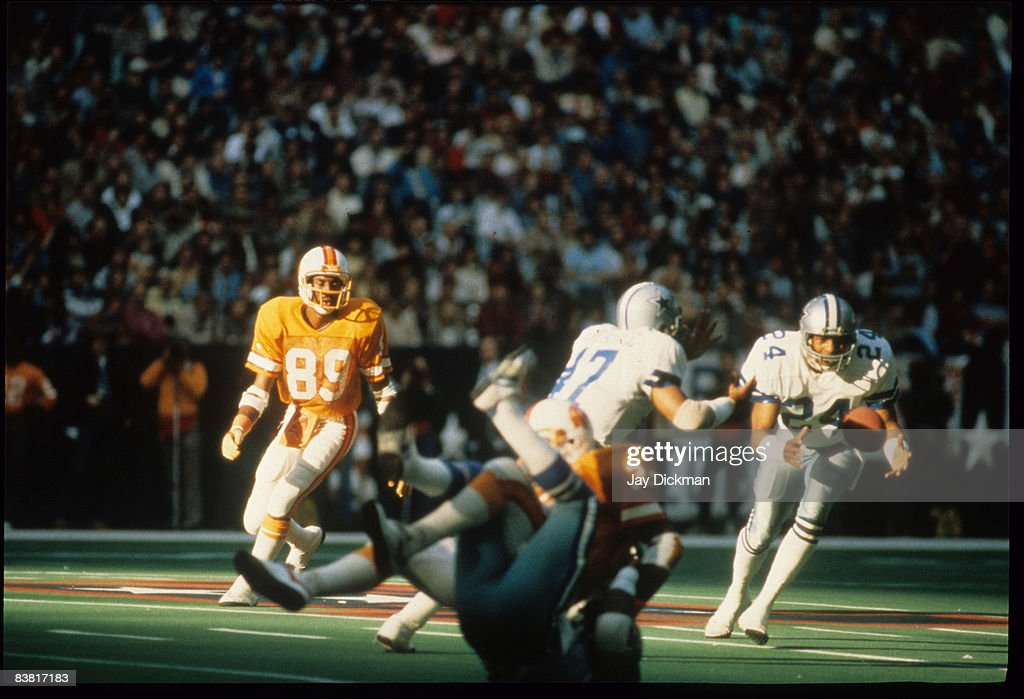 Cornerback Everson Walls of the Dallas Cowboys intercepts a pass in a 30 to 17 win over the Tampa Bay Buccaneers in the 1982 NFC Wildcard Playoff...