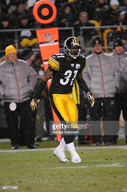 Cornerback Fernando Bryant of the Pittsburgh Steelers pursues the play as snow falls during a game against the Cincinnati Bengals at Heinz Field on...