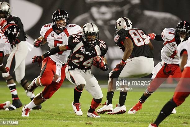 Cornerback Greg Reid of the black team returns an kick in the All America Under Armour Football Game at Florida Citrus Bowl on January 4 2009 in...