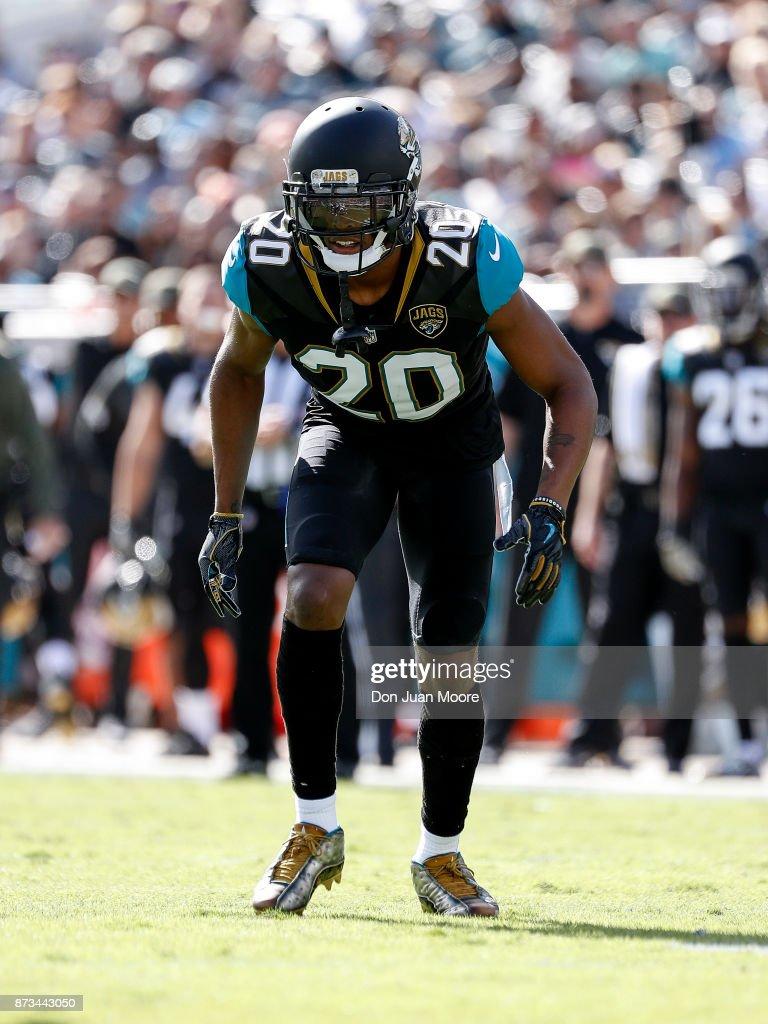 Los Angeles Chargers v Jacksonville Jaguars : ニュース写真